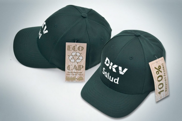 Gorra reciclada de DKV Salud